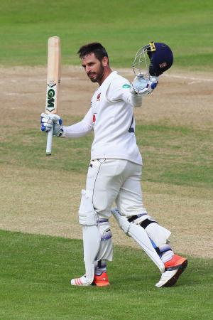 Brentwood Live: Captain Ryan Ten Doeschate hits century as Essex seal County Championship promotion