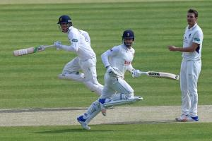 Running men - Daniel Lawrence (left) and Ryan ten Doeschate add to the Essex total at Middlesex. Picture: TGS PHOTO