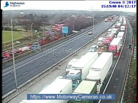Traffic halted as part of the M25 is closed