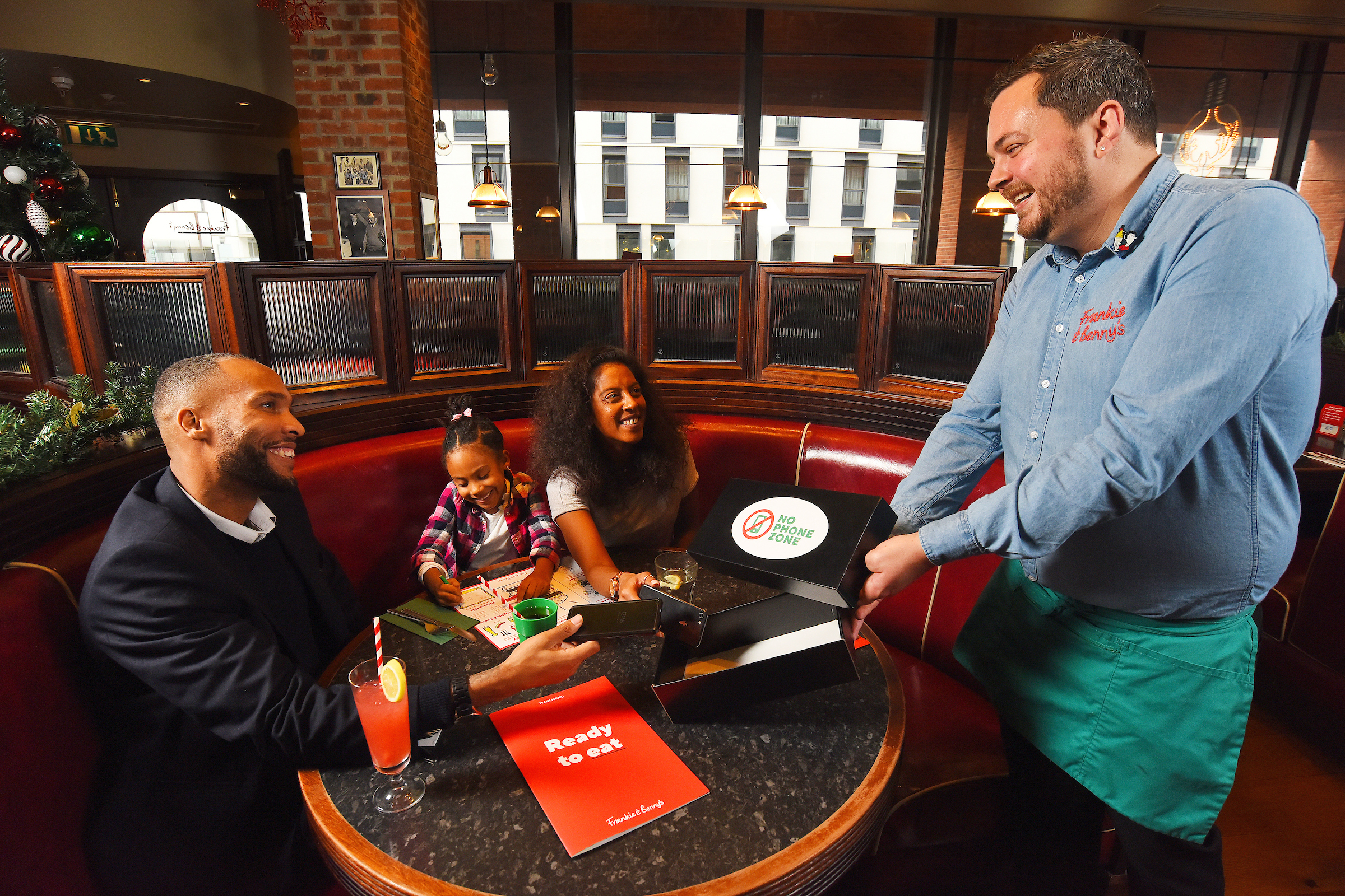 POLL: Would you hand over your phone to get free meals for your kids at Frankie & Benny's?